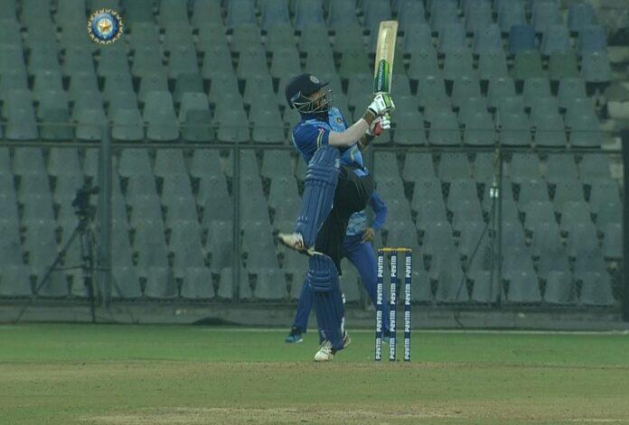 Mohammed Azharuddin's super batting in wankhede stadium